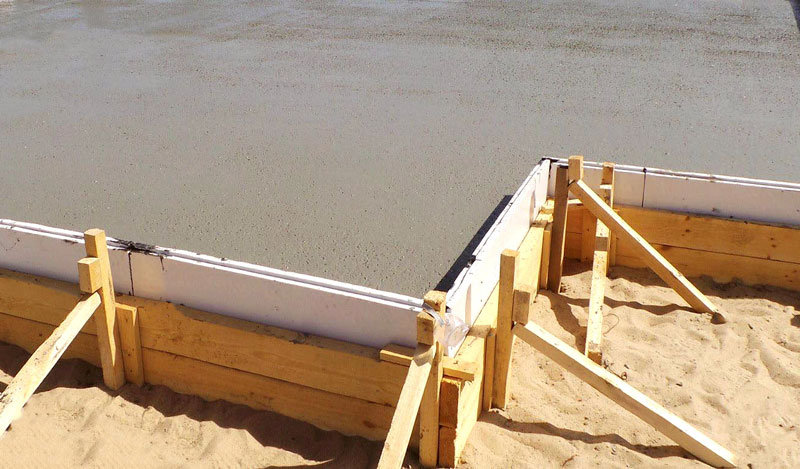 plitnyj-fundament-pod-dom-foto